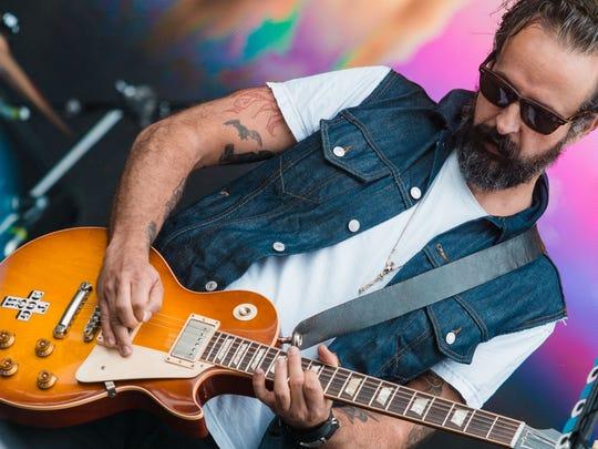 Tito Fuentes, guitarrista y voz de Molotov.