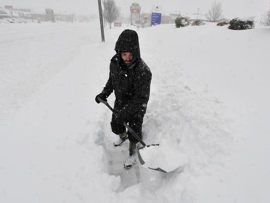 YDR-JP-012316-snow