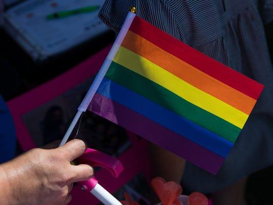 636640823256206202-679527002----Pride-parade-1.jpg