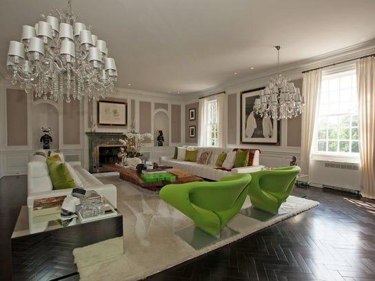 got 15m alicia keys lists massive nj mansion. Black Bedroom Furniture Sets. Home Design Ideas