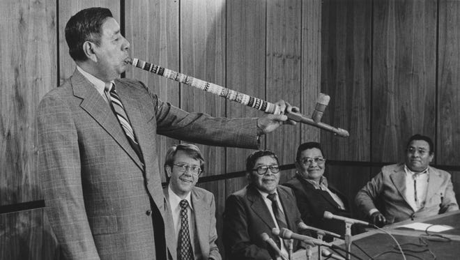 Leon Grant (left) and then-Arizona Gov. Bruce Babbitt review plans for all-American Indian World Fair on March 16, 1978.