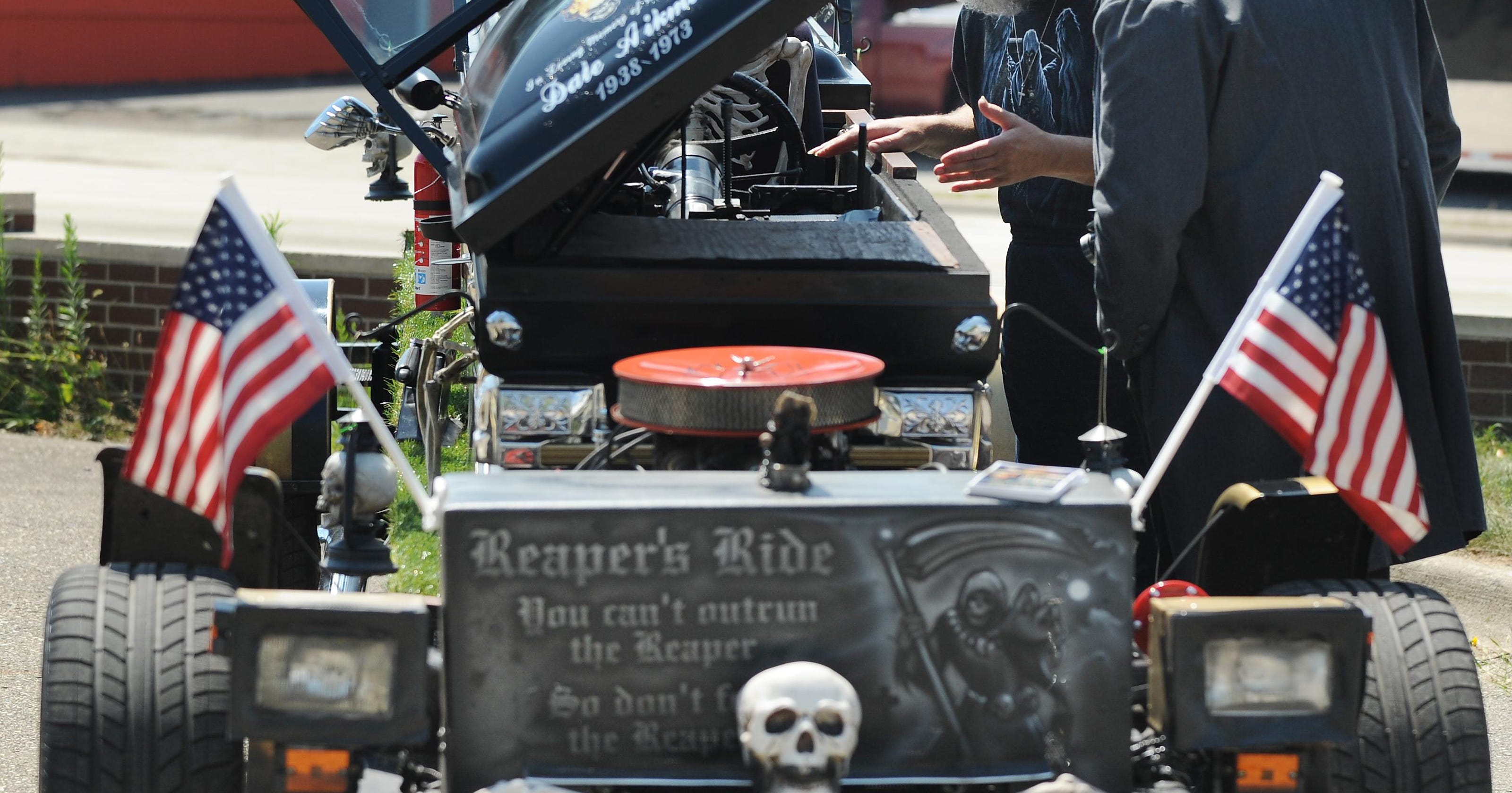 Creepy cars and custom motorcycles roll into Pontiac
