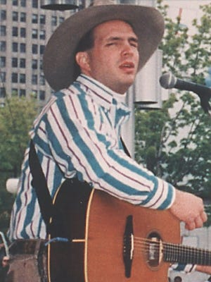 Garth Brooks performing at the 1989 Downtown Hoedown in Detroit.