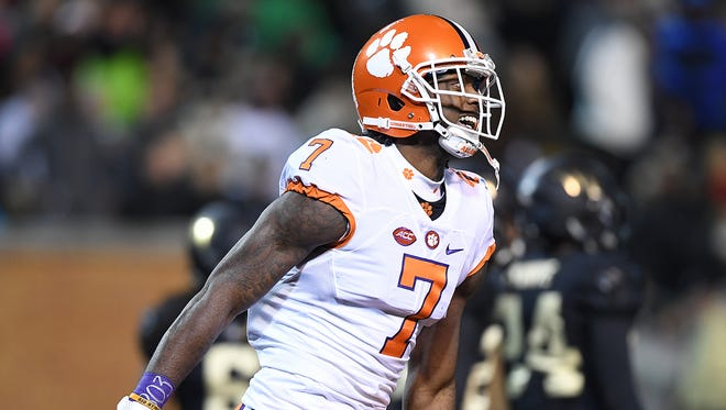 Clemson wide receiver Mike Williams (7) reacts after catching a touchdown during the first quarter at Wake Forest's BB&T Field on Nov. 19.