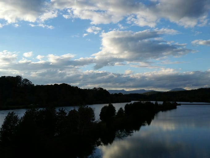 Samuel T. Foust  photographed Melton Hill Lake in Oak