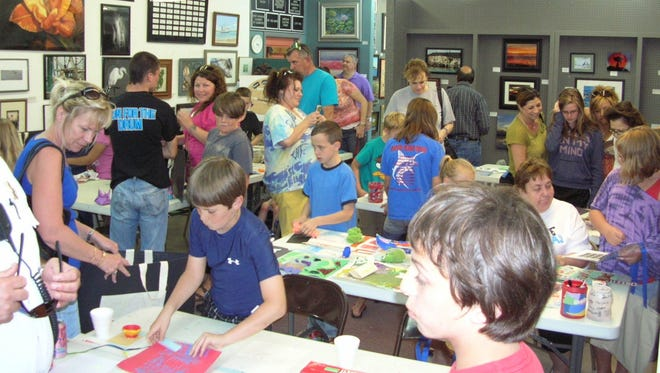 Port Aransas Art Center, 323 N. Alister St., will host its Family Fun Art Days from 4-6:30 p.m. Wednesday, June 7. Complete a step-by-step island-themed project led by a professional teacher, art supplies provided. Cost: $5 per child/parents free. Information: 361-749-7334.