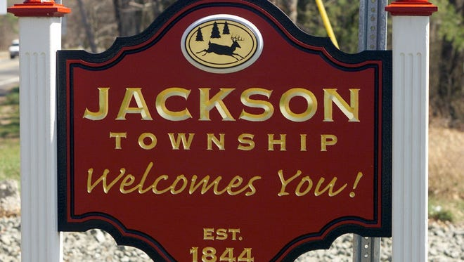 ASBURY PARK PRESS PHOTO BY THOMAS P. COSTELLO - - - 4/6/00 - - - A welcome to Jackson sign along Rt 571