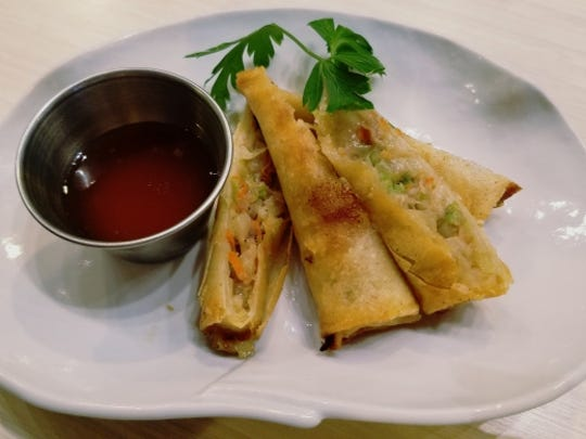 Kaishin's harumaki was pork spring rolls with a sweet dipping sauce. The wrapping was crispy and the filling was full of tender pieces of pork and vegetables.