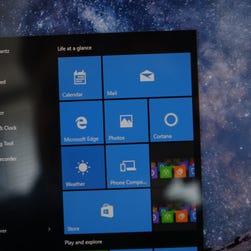 Microsoft Windows 10 on Asus tablet