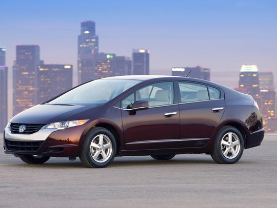 The 2009 Honda FCX Clarity had a hydrogen fuel cell.