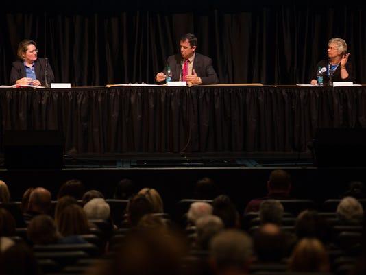 Voters watch Gilbert Public Schools board deabte
