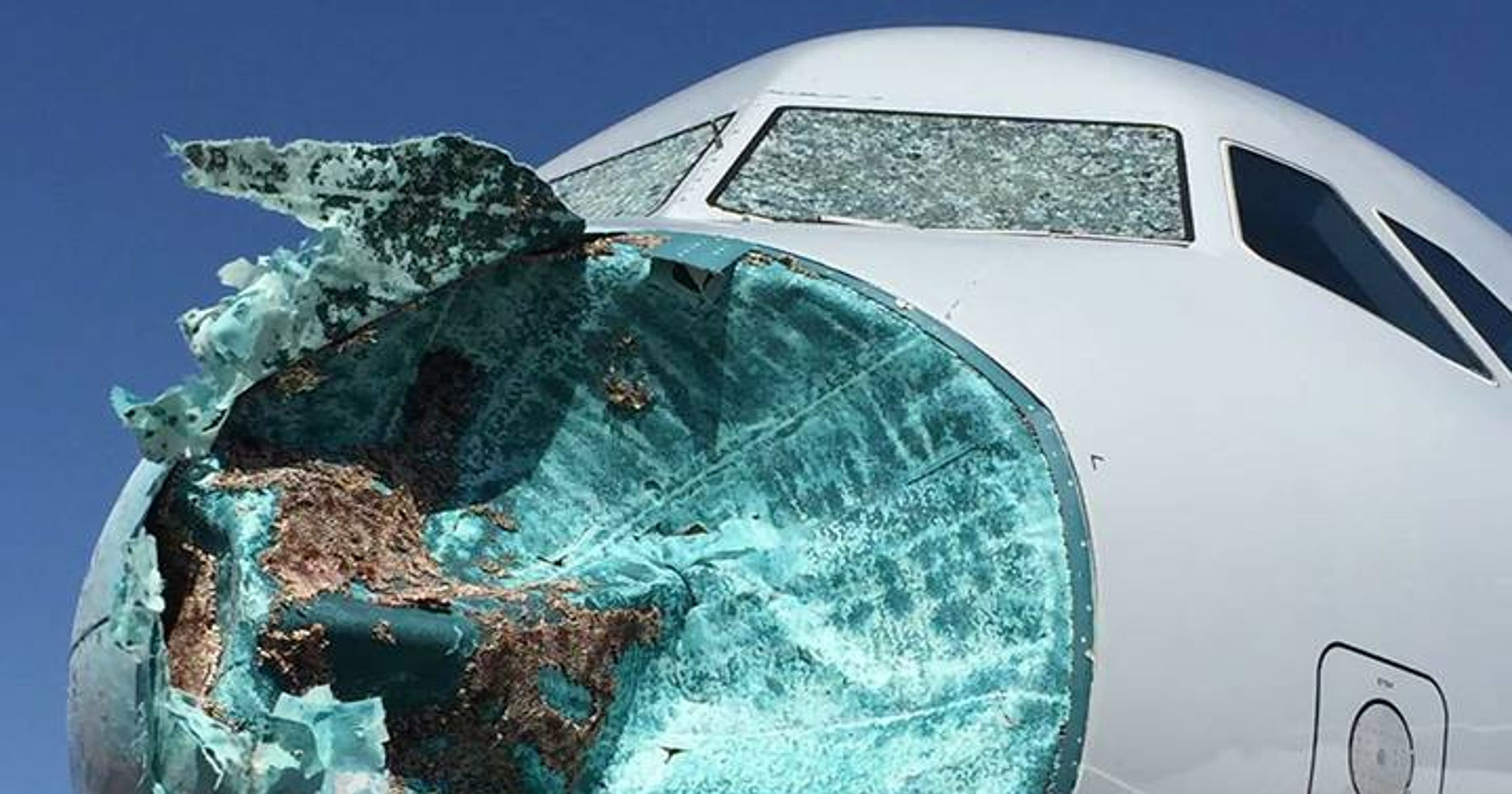 American Airlines Airbus A319 Diverts After Hail Over New