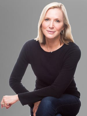 Author and Journalist Lee Woodruff to speak at Women's Leadership Council Breakfast.