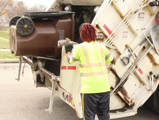 rumpke loading truck