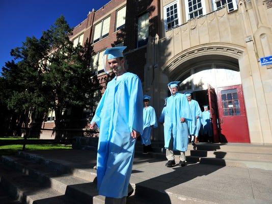 -06042016_gfh graduation-a2.jpg_20160604.jpg