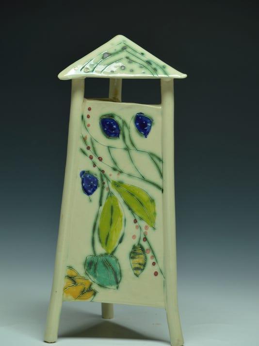 636159532222891065-nro-Shirley-Knudsvig-whitestone-birdhouse.jpg