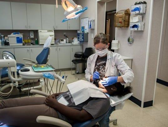 635714403955846393-dental-center
