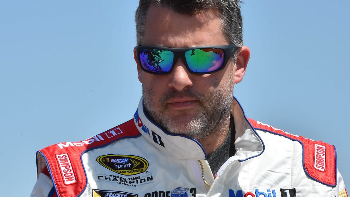 Tony Stewart, Danica Patrick, Jamie McMurray wreck during Dover practice