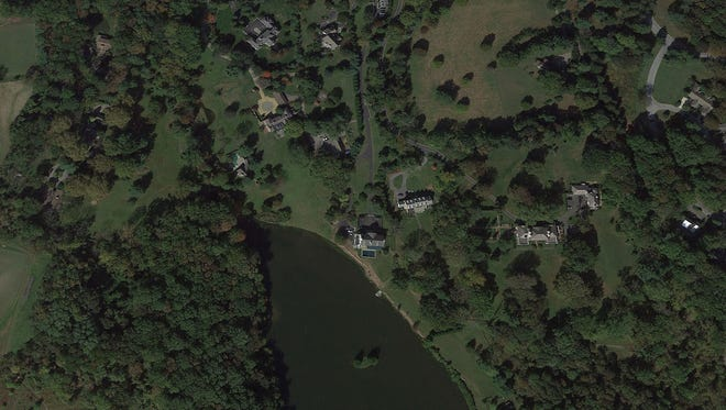 A report issued by the House Committee on Oversight and Government Reform detailed a number of failures, including a 2013 incident in which four young adults went fishing in Vice President Joe Bidens' backyard in Greenville. The individuals went undetected until neighbor saw them and called the agency.