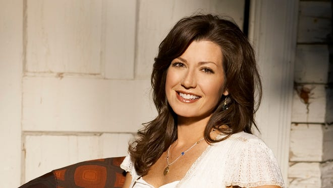 Singer-songwriter Amy Grant will be inducted into Nashville's Business Hall of Fame late October.