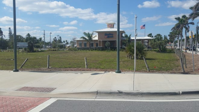 A Fort Lauderdale company wants to build a 57-space paid parking lot in the vacant lot  on Ocean Drive in front of Oculina Bank. Fort Pierce planners are reviewing the request.