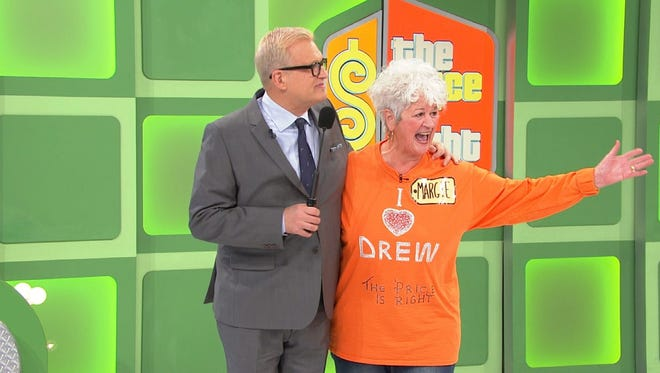"""Host Drew Carey and Knoxville resident Margie Gore on """"The Price Is Right."""""""