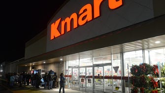 """Hundreds brave the cold temperatures at Kmart to catch the """"Black Friday"""" sales early Thursday morning in Salisbury, Md."""