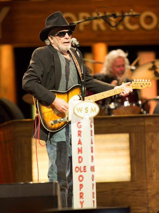 635808468883071577-Merle-Haggard-by-Chris-Hollo-0334--10.17.15