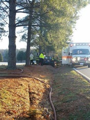Clarksville Police respond to a wreck on Dunbar Cave