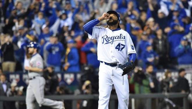 Johnny Cueto became the first AL pitcher to throw a complete game in the World Series since 1991.