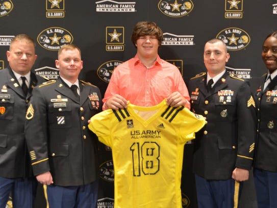 In front of a packed house at Solon High School, Hawkeyes commit Tyler Linderbaum was honored for his U.S. Army All-American Bowl selection.