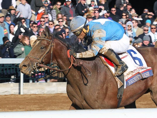 Route du Kentucky Derby/Kentucky Oaks 2016 635958234224488472-BRODY-27S-CAUSE---The-Toyota-Blue-Grass-Gr-I---04-09-16---R10---KEE---Inside-Fin