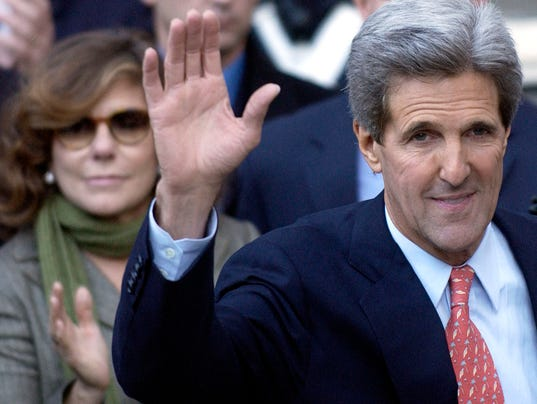 GTY KERRY CONCEDES ELECTION TO BUSH A POL USA MA