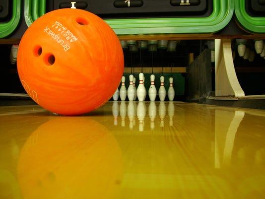 bowling_1416696577998_9760412_ver1.0_640_480.jpg