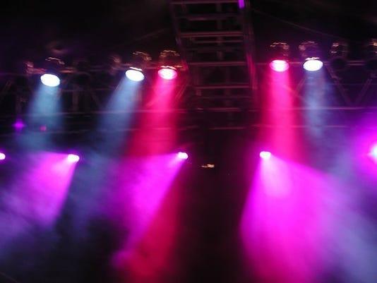 entertainment_stage_endplay_11693360_ver1.0_640_480.jpg