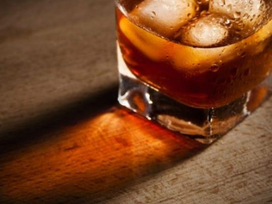 alcohol_141468978871_933346_ver1..jpg