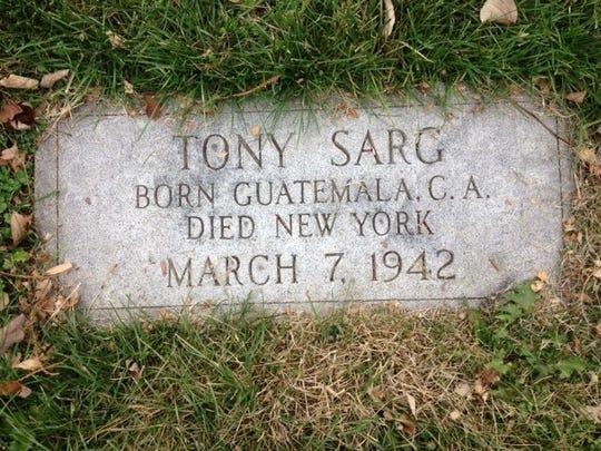Tony Sarg grave marker
