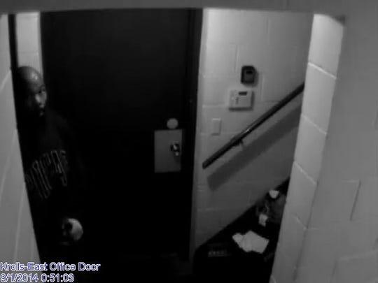 -burglar2.jpg_20140910.jpg