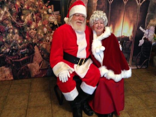 Santa&MrsClaus.jpeg