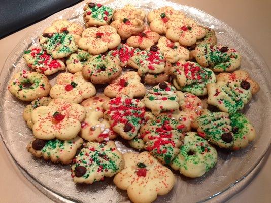 Aunt Yvette's Butter Cookies 1.JPG