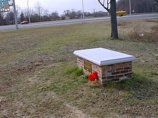 -Thomas Ogle grave.jpg_20071008.jpg