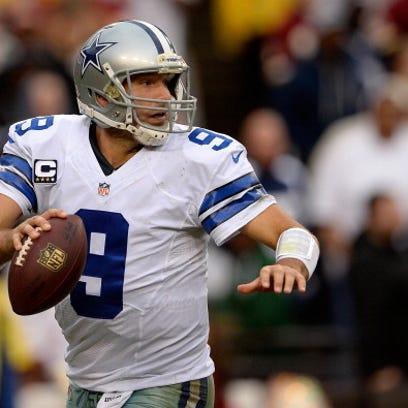 LANDOVER, MD - DECEMBER 22:  Quarterback Tony Romo