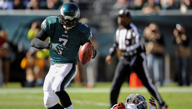 Eagles QB Michael Vick hasn't had much luck staying healthy against the Giants this season.