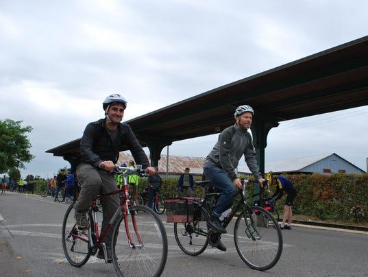-BUR 1006 Bike Path 04.JPG_20131005.jpg