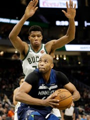Timberwolves_Bucks_Basketball_17207.jpg