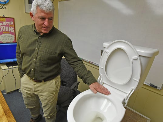 Mansfield-toilet.jpg