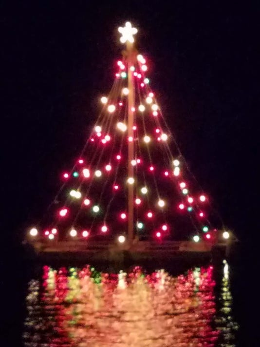 tuckertons famous floating christmas tree will stay alight past new years photo marianne ross