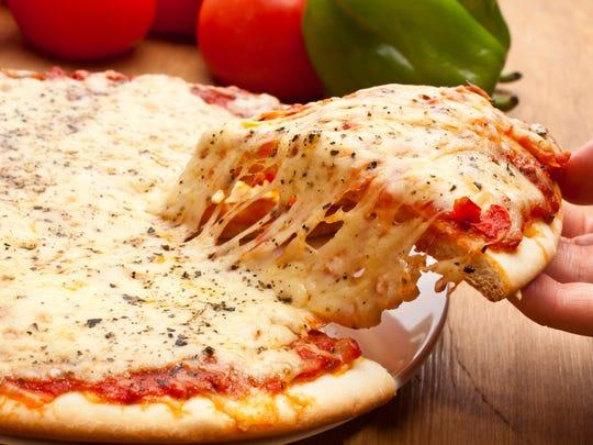 Cheese pizza (iStock)