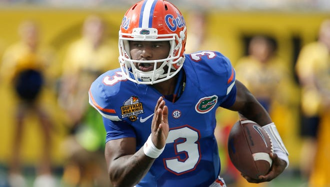 Former Florida quarterback Treon Harris is transferring to Tennessee State.