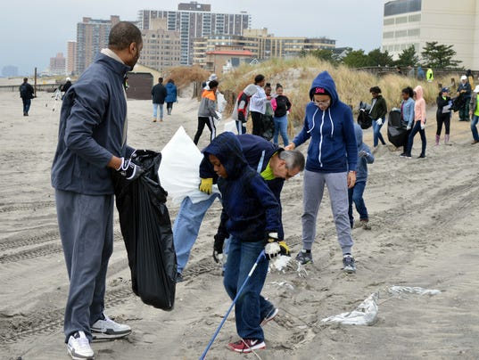 ACE-Electric-volunteers-and-their-families-participate-in-beach-sweeps.JPG